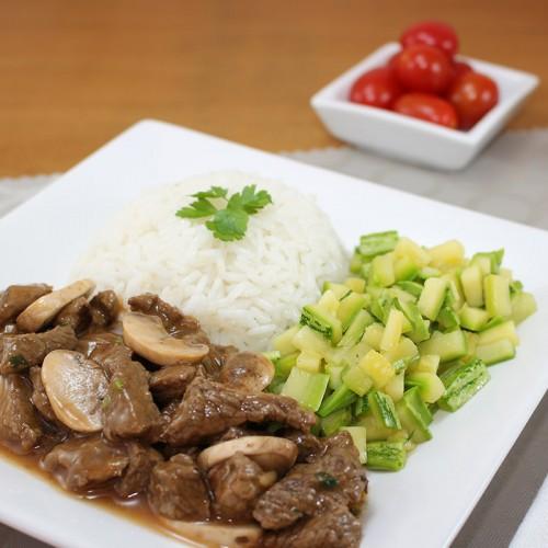 Strognofe de Carne, Sem Lactose, Mix  de Legumes e Arroz Integral (não disponível)