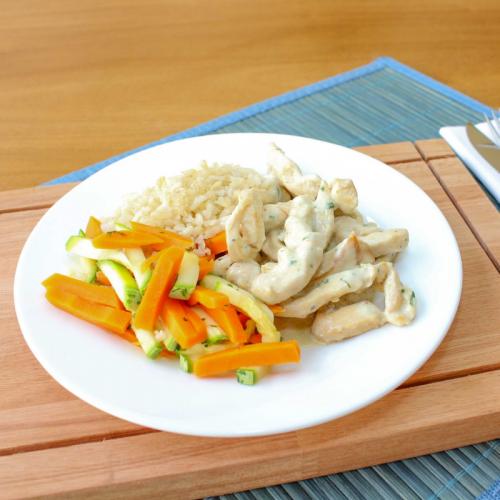 Frango ao Queijo Gorgonzola, Mix de Legumes e Arroz Integral (não disponível)