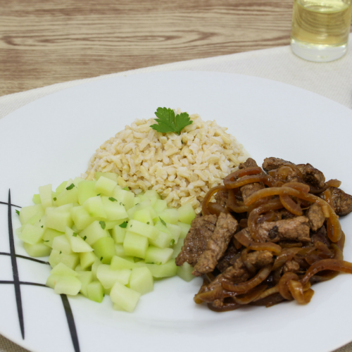 Isca de Carne Acebolada, Mix de Legumes  e Arroz Integral (não disponível)