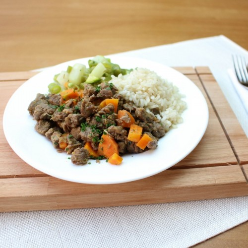 Picadinho de Carne com Azeite de Dendê, Mix de Legumes e Arroz Integral (não disponível)