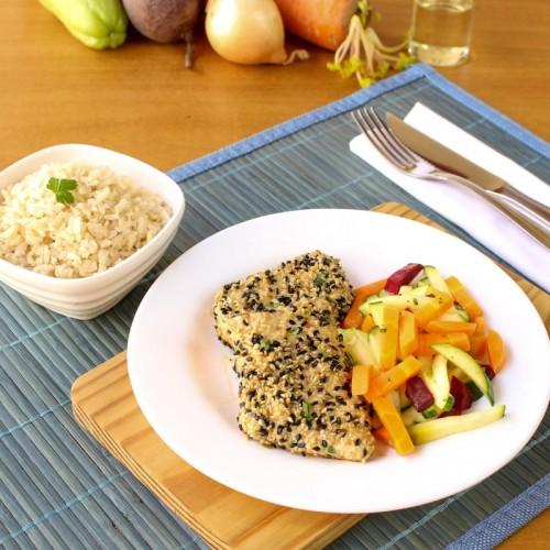 Frango com Crosta de Gergelim, Mix de Legumes e Arroz Integral (não disponível)